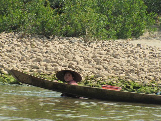 Luang Prabang Fisherwomen, Mekong River